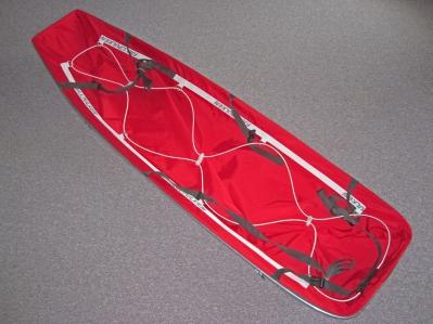 Der Expeditions-Pulka von Fjellpulken ist für Touren von bis zu 4 Wochen geeignet. Unser Anhänger hat ein Fassungsvermögen von 310 l und wiegt ca. 6 kg. Die Schlittenwanne besteht aus glasfaserverstärktem Polyester.